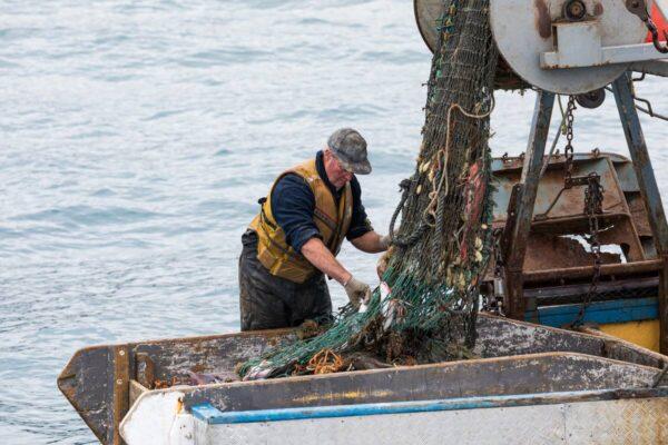 fishing-trawler-1200