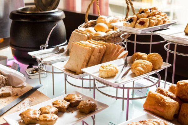 hotel-breakfast-1200