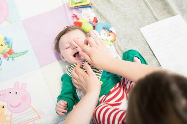 move-with-mumma-baby-massage-600